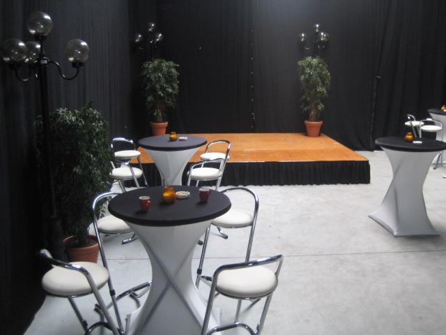 Tafels verhuur stoelen verhuur lounge verhuur nuenen for Verhuur tafels